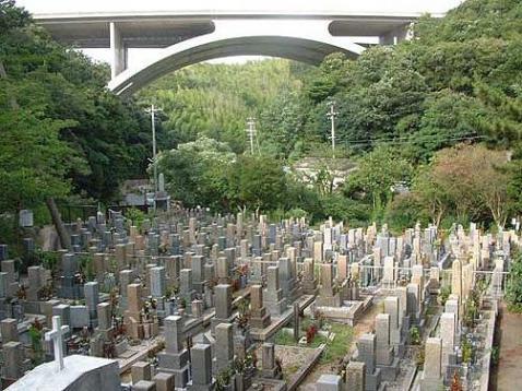 淡路市営 岩屋茶間墓地の画像1
