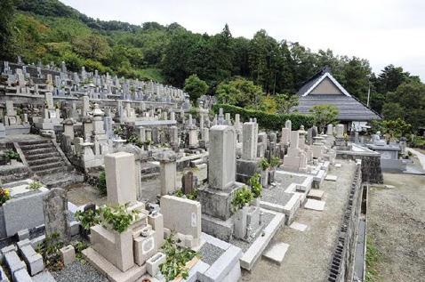 徳林寺墓苑