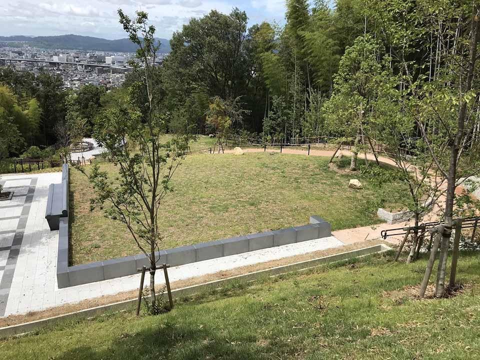京都市営 深草墓地の画像2