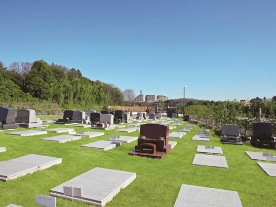 青葉ニュータウン霊園|豊かな緑が広がる「芝墓地」区画