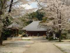 天岑寺墓苑