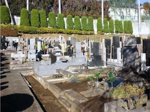 都筑池辺墓苑