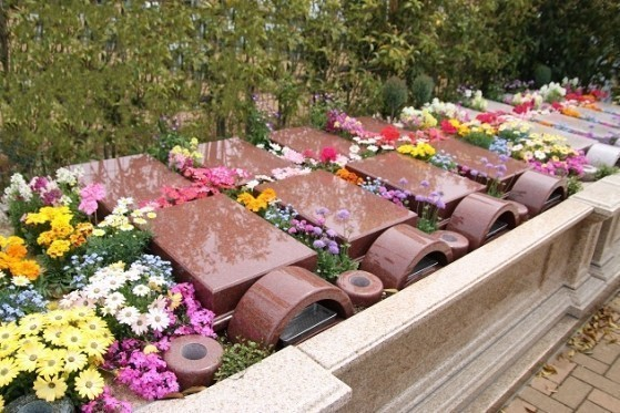 和光聖地霊苑 ガーデニング型樹木葬「フラワージュ」「アルヴェアージュ」|ガーデニング型樹木葬「フラワージュ」