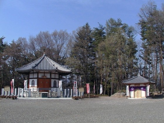 法徳寺・納骨堂(帰郷庵)