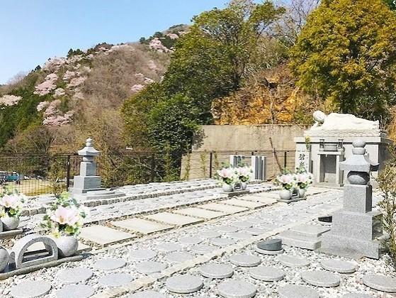 箕面止々呂美樹木葬墓地