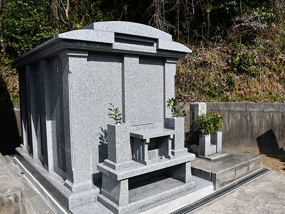 宇部護国神社納骨堂