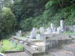 護生寺墓地