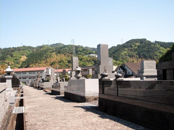 赤池墓地の画像
