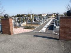 埼玉霊園の正門