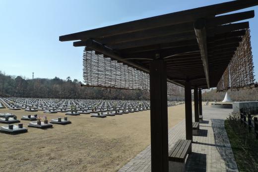 芝生型墓地
