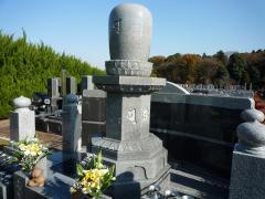 独特な形の墓石