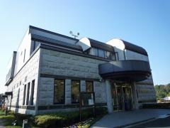 横浜聖地霊園会館。