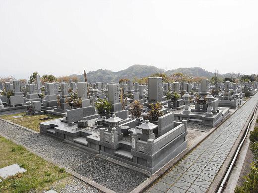 墓地内風景