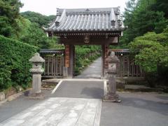 墓所の入り口に当たる嵩山門