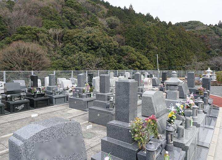 承継者がいない方や承継が困難な方向けの「永代管理墓地」