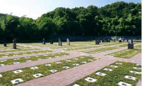西欧風の雰囲気を持つ斬新な緑地付き墓所「未来区」