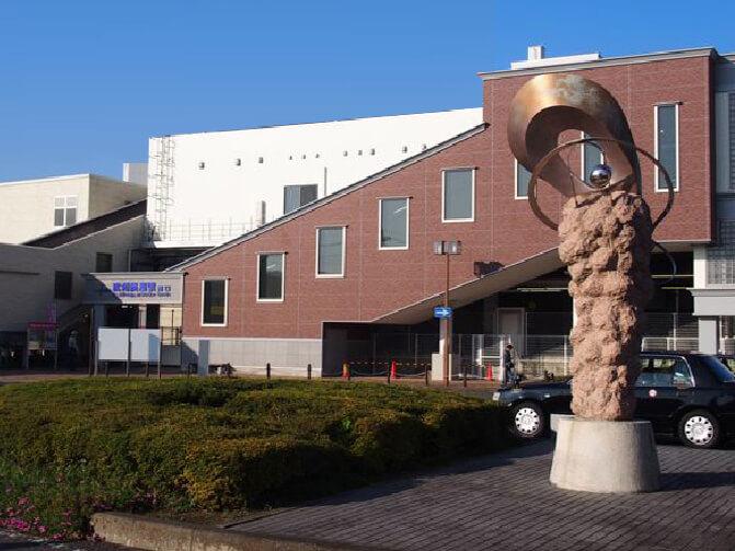 武蔵野霊園の最寄り駅・武州長瀬駅の外観写真