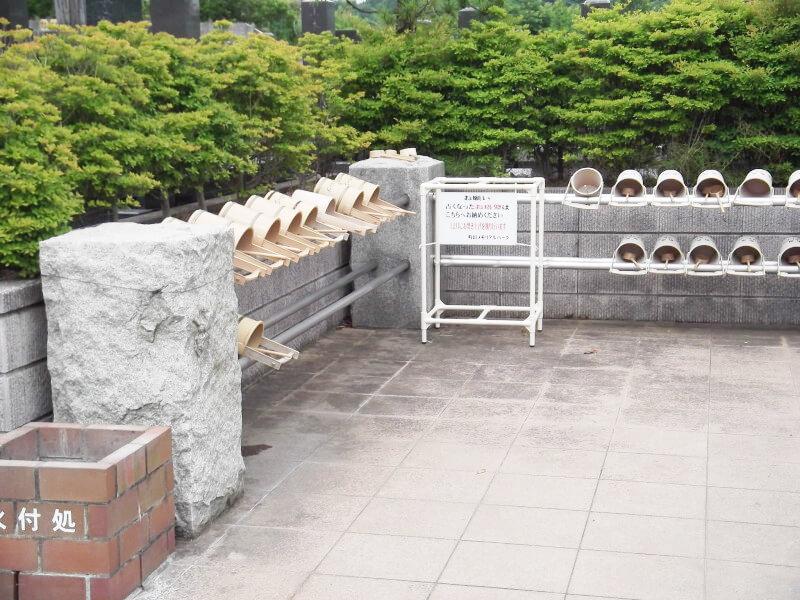 町田メモリアルパークの霊園内にある水場の風景