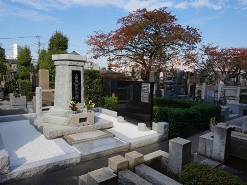 小石川伝通院の永代供養墓の風景