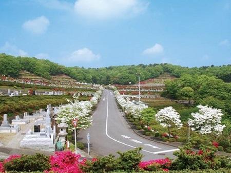 松田優作の墓がある築地本願寺西多摩霊園の全景写真